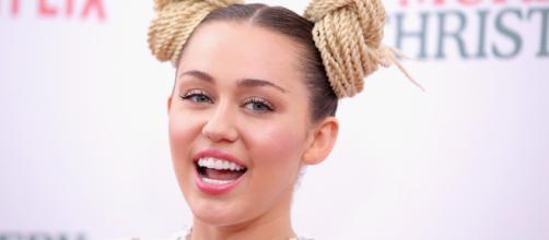 Miley Cyrus eliminó sus fotografías de la red social Instagram