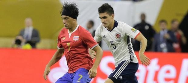 Bolaños, da Costa Rica, é um dos jogadores que interessa ao Santos