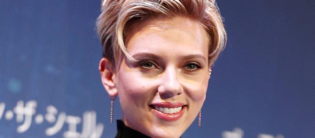 "Scarlett Johansson renunció a la película ""Rub and Tug"""