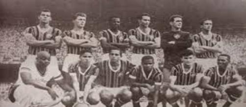 Assim como a França em 2018, Fluminense, no ano de 1963, deu volta olímpica no principal estádio da Rússia (Foto: Portal Sou Mais Flu)