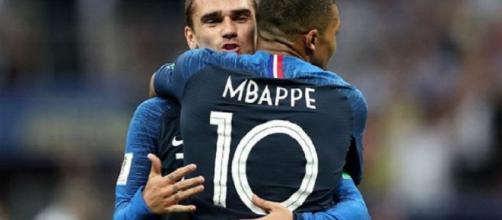 Griezmann y Mbappé fueron las estrellas de Francia en ataque. Foto cortesía OK Diario.