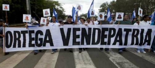 Estudiantes nicaragüenses son asaltados por milicias