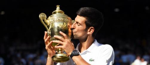 Djokovic sale victorioso contra Anderson para ganar su cuarto título en Wimbledon