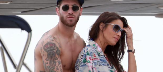 Sergio Ramos y Pilar Rubio pasan vacaciones en familia en el mar