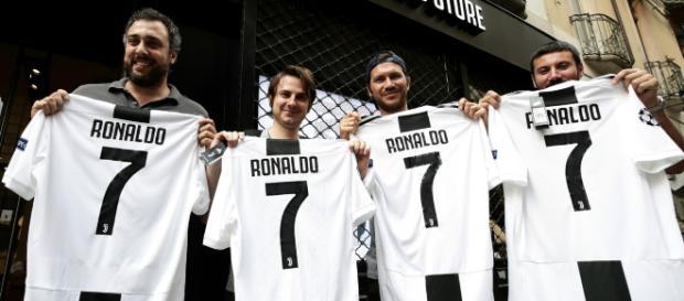Cristiano Ronaldo ya está en Italia y los aficionados le han recibido con mucha alegría