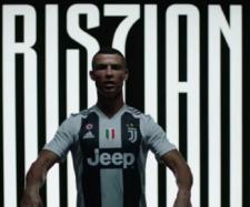Cristiano Ronaldo foi apresentado em Turim. [Imagem via Youtube/ Juventus]