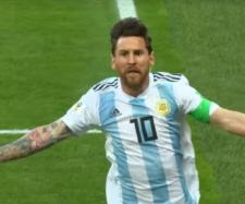 Leo Messi marcou à Nigéria. [Imagem via Youtube/ FIFA TV]
