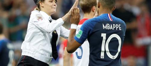 15 jours de prison pour les Pussy Riot après leur intrusion sur le stade de Moscou lors de la finale de la coupe du monde