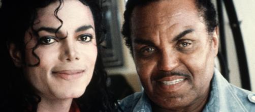 El médico de Michael Jackson aseguró que su padre lo castró químicamente