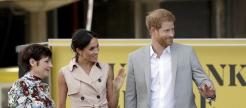 LONDRES / Los duques de Sussex visitan la exposición de Mandela