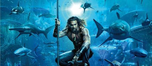 Revelan el primer póster oficial de Aquaman con Jason Momoa como protagonista
