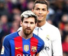 Messi e Ronaldo [Imagem via Youtube/ Wrzzer]