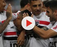 São-paulinos comemoram gol contra Flamengo