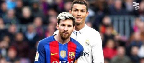 Messi e Ronaldo [Imagem via Youtube/ Wrzzer]