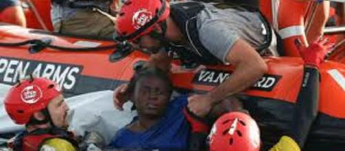 Rescatada migrante del mar Mediterráneo después de estar 48 horas a la deriva