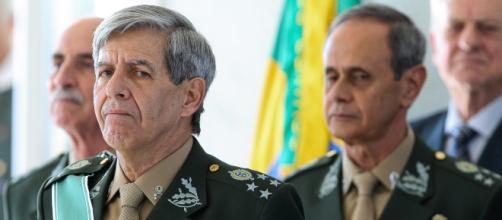 O general disse estar pronto para a missão, mas o PRP veda sua candidatura a vice