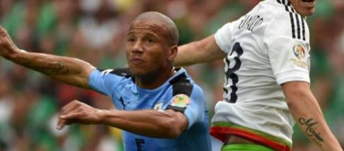 Santos fechou a contratação de Carlos Sánchez
