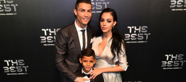 Cristian Ronaldo llega a la Juventus y los fanáticos lo reciben con algarabía