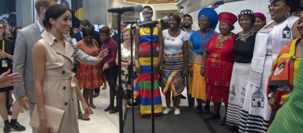 Meghan Markle y el Príncipe Harry rinden homenaje al trabajo de Nelson Mandela