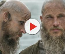 Floki e Ragnar, personagens de Vikings