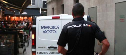 LA CORUÑA / Detenido un hombre acusado de asesinar a su mujer con un arma blanca