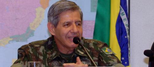General Augusto Heleno se desfilia de PRP, mas permanece com Bolsonaro - Fundação Astrojildo Pereira
