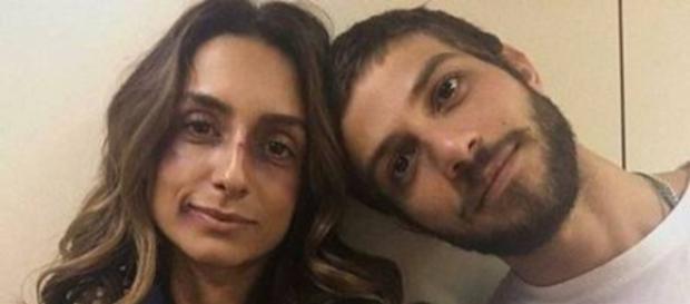 Chay Suede e Camila Lucciola estariam juntos nos bastidores de trama global
