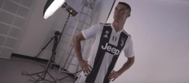 Cristiano Ronaldo [Imagem via YouTube/Juventus]