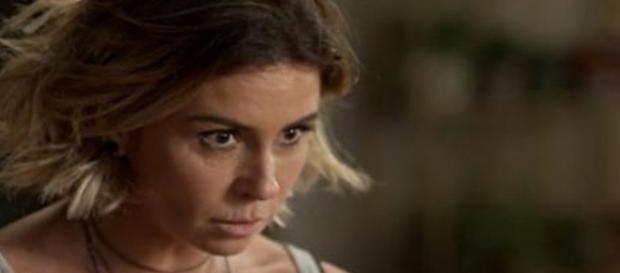 Luzia levará tiro em Segundo Sol. (Foto: Doivulgação TV Globo)