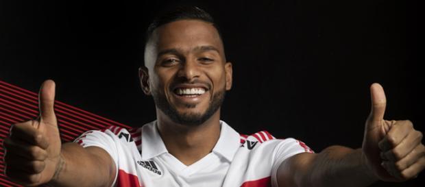 Reinaldo marcou dois gols no Majestoso