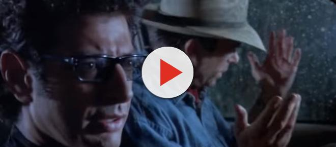 London: 'Jurassic Park' 25th Anniversary celebrated with 25-foot Jeff Goldblum statue