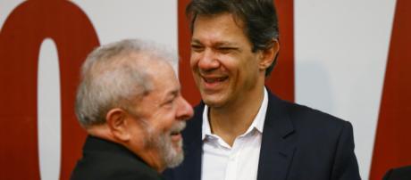 Foto de arquivo de Haddad ao lado de Lula