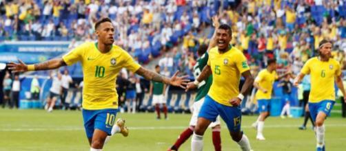 Comemoração do gol feito pelo time brasileiro.