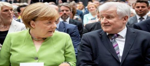 La crise politique autour des migrants se poursuit en Allemagne