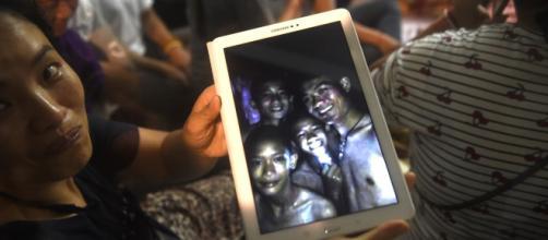 TAILANDIA / Encuentran vivos a los 12 niños que estaban desaparecidos en una cueva
