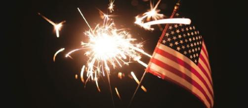 Sparklers can badly burn children on Independence Day, some place banned them- Image credit - StockSnap | 27656 Bilder | Pixabay