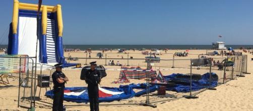 UK: gonfiabile esplode in spiaggia: bimba viene scaraventata in aria e muore