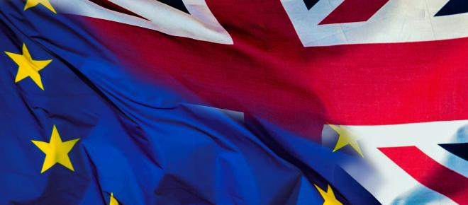 Theresa May and Cabinet Brexit decision looms at Chequers; possible three proposals