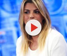 Emma Marrone criticata e sbrocca sui social