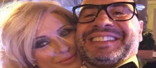 Il nuovo fidanzato di Tina Cipollari dopo Kikò: l'opinionista di U&D esce allo scoperto