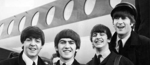 Paul McCartney, George Harrison, Ringo Star e John Lennon em 1964
