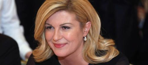 La aficionada y presidenta de Croacia, Grabar-Kitarovic, apoya políticas antinmigración