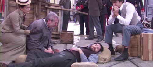 Una Vita, Martin muore tra le braccia di Casilda