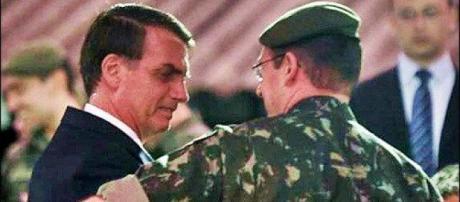 """Segundo a mídia Jair Bolsonaro já teria mandado sondar o General Mourão; após dois """"nãos""""- Foto retirado/via - pinterest.pt"""