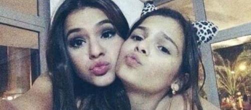 Fãs de Bruna Marquezine se surpreendem com a semelhança entre ela e a irmã