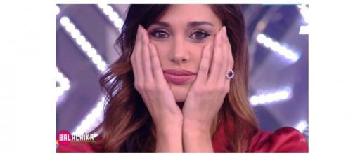 Gossip, Paola Ferrari attacca: 'Belen Rodriguez è ricca, furba e priva di talento'.