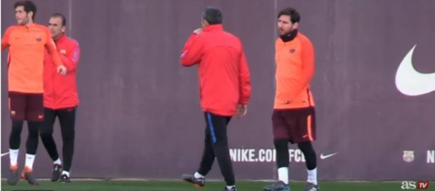 Messi à conversa com Valverde [Imagem via YouTube/ Diario AS]