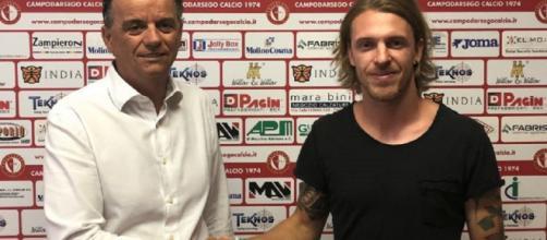 Andrea Raimondi, ex Trapani, con il presidente del Campodarsego, Daniele Pagin (ph. campodarsegocalcio.it)