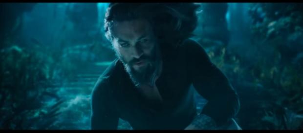 Arthur Curry must save Atlantis and the surface world from war in the 'Aquaman' movie [Image Credit: DC Entertainment/YouTube screencap]