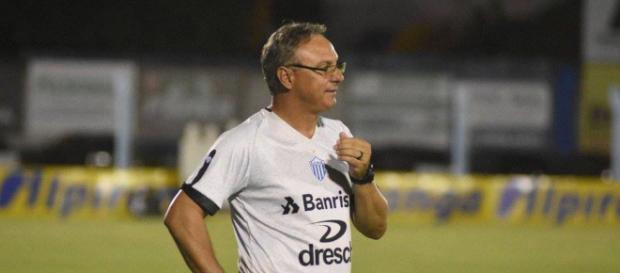 Beto Campos tinha 54 anos e morreu em sua casa.